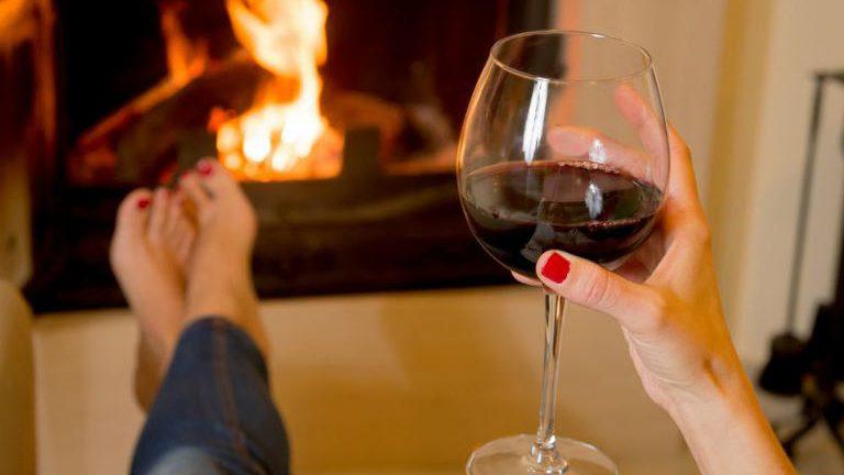 2 taças de vinho antes de dormir ajudam na perda de peso