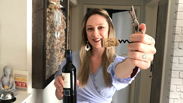 Como abrir uma garrafa de vinho corretamente