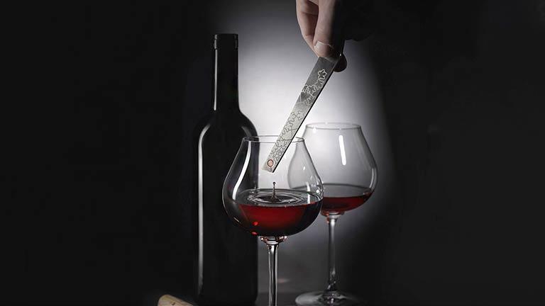 Conheça a 'Chave do Vinho' que envelhece um vinho em segundos!