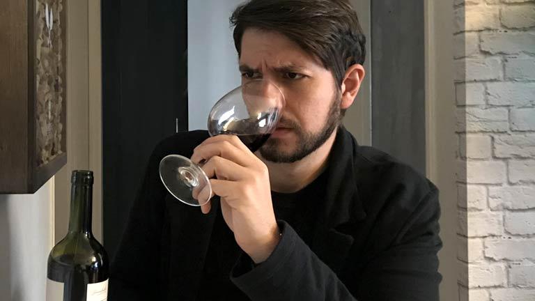 Como descobrir se um vinho está estragado?