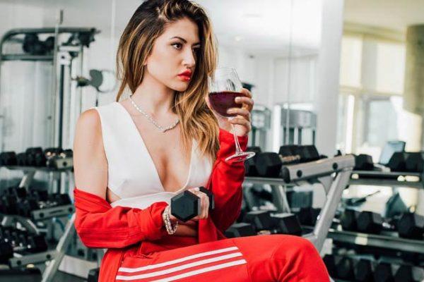 Uma taça de vinho equivale a 30 minutos de atividade física, segundo pesquisa