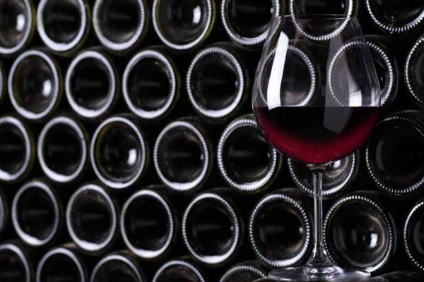 Pra Que Serve a Cavidade no Fundo da Garrafa de Vinho?