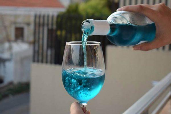 Vinho Azul: Existe mesmo? É vinho? Entenda mais!