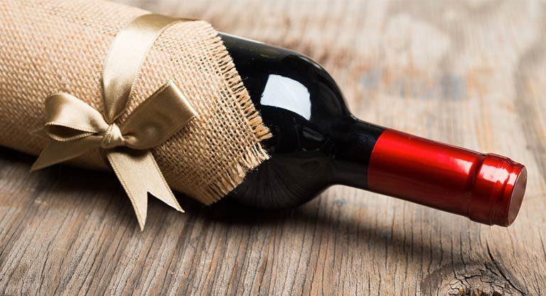 Dia dos Namorados: 9 excelentes vinhos de até R$100 para presentear seu amor