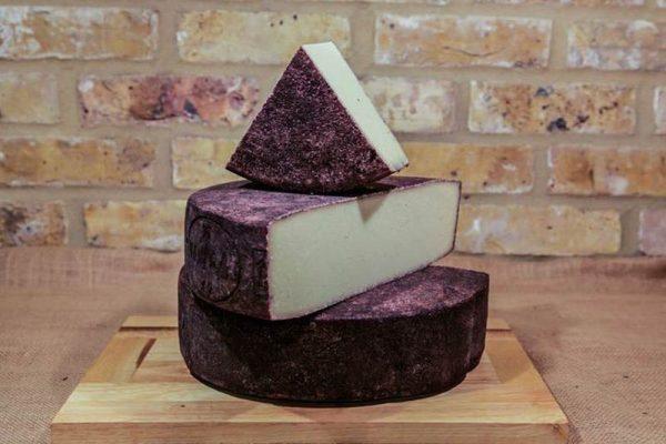 """Drunken Cheese, o """"queijo bêbado"""" de vinho, que é uma iguaria Italiana!"""