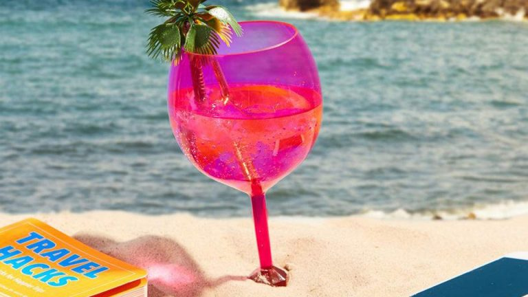Essas taças são perfeitas para serem usadas na praia e na piscina