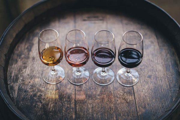 Barris de carvalho e sua influência no vinho